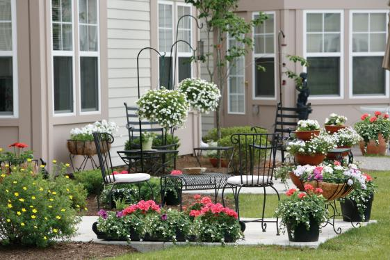 Cloverwood Patio Home patio with patio table